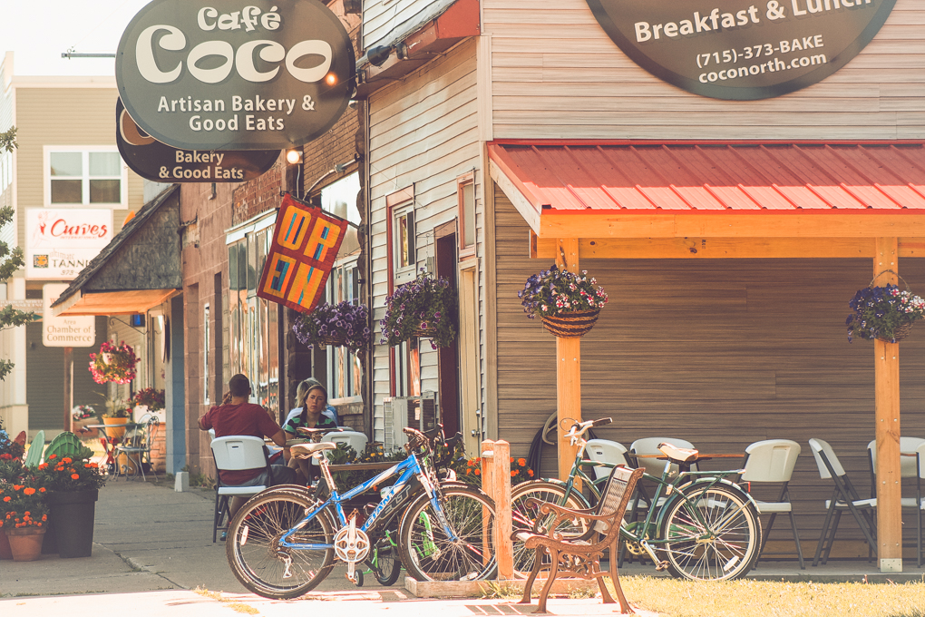 Street view of Cafe Coco in Washburn, Wisconsin